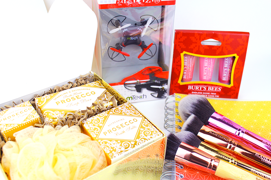 Christmas Gift Guide & Giveaway